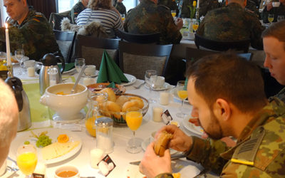 Kreuzweg mit Osterfrühstück
